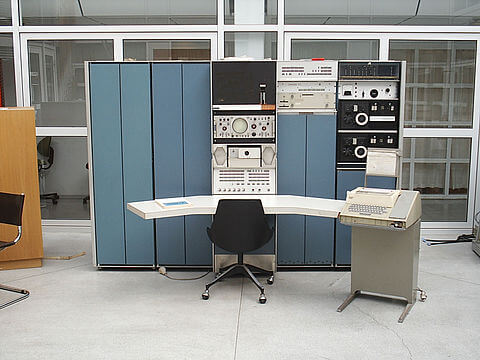 PDP-7 minicomputer console